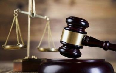 女子从23楼扔3块冰,安徽首例高空抛物罪判了