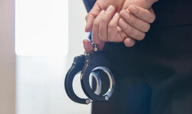 男子下载64部宣暴恐音视频观看解压被批捕