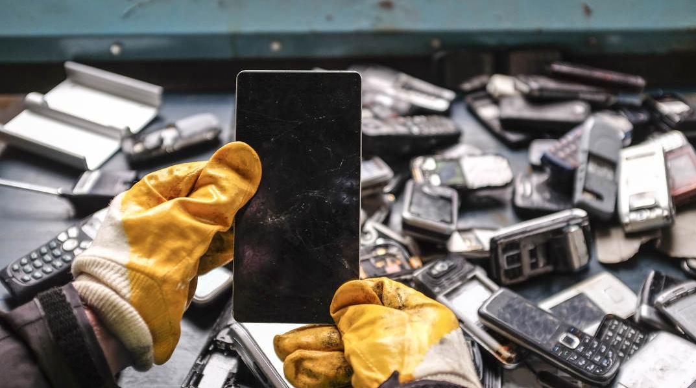怕泄露个人信息?处理旧手机的正确打开方式来了