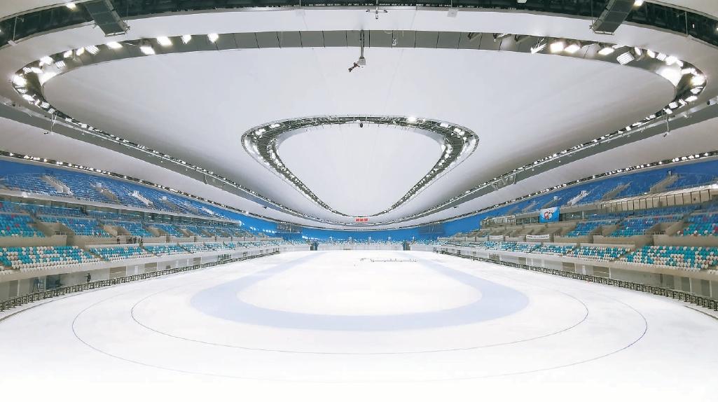 """国家速滑馆完成全冰面制冰,""""冰丝带""""亮出亚洲最大冰面"""