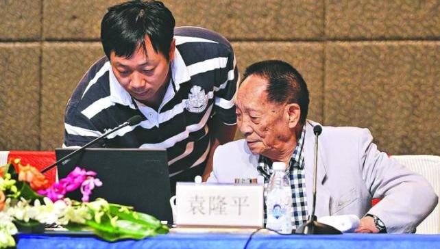 袁隆平之子谈接棒:耐盐碱稻亩产超千斤不是终点