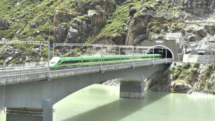 全国铁路今起调图,复兴号将实现31省份全覆盖