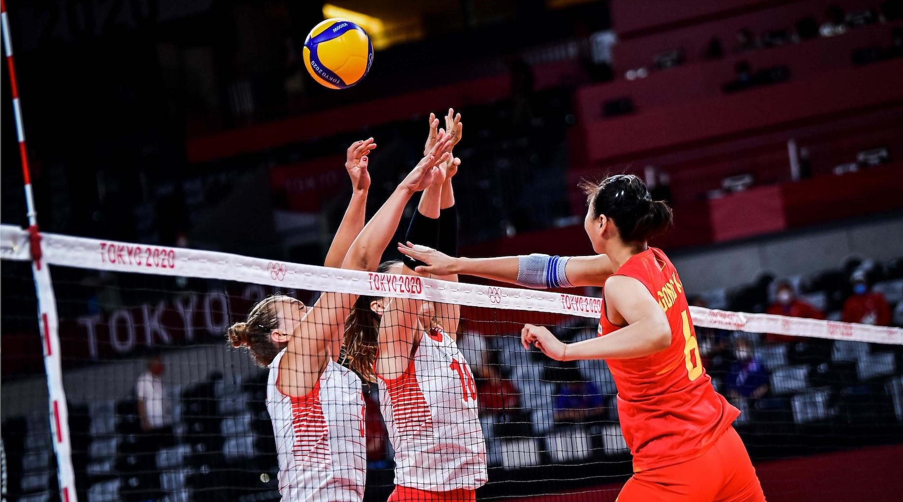 中国女排首战0比3负于土耳其队