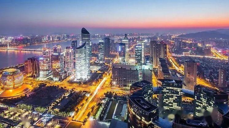 """二十七省份发布经济""""半年报"""":各地经济加快复苏"""