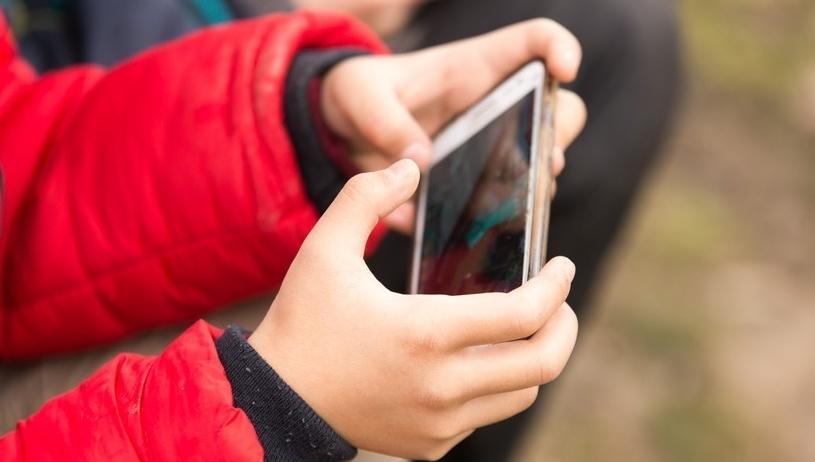 王者荣耀:禁止未满12周岁用户充值,工作日未成年人限玩1小时