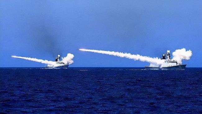 东部战区在台岛西南海空域实施联合警巡和实战化演练