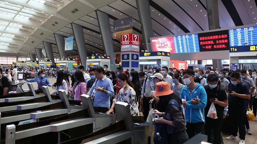 中秋假期,铁路增开京津冀地区短途旅客列车33.5对