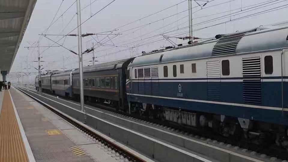 中秋假期首日,全国铁路预计发送旅客1050万人次