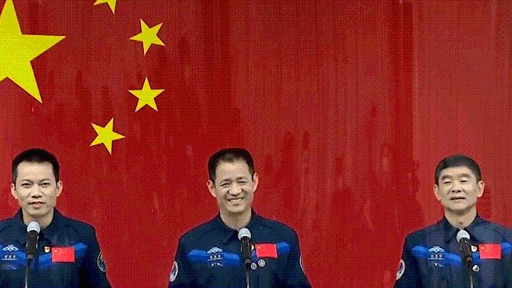 三位都是农民的孩子!成为一名中国航天员到底有多难?