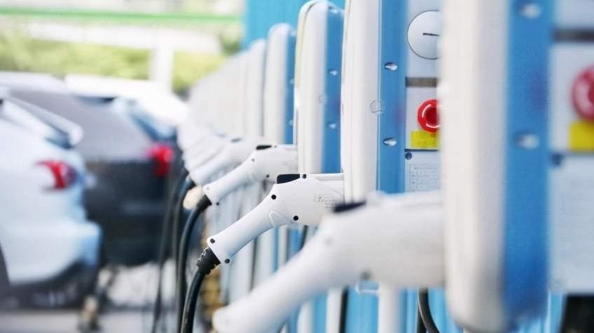 工信部:中国建成全球最大规模充电设施网络